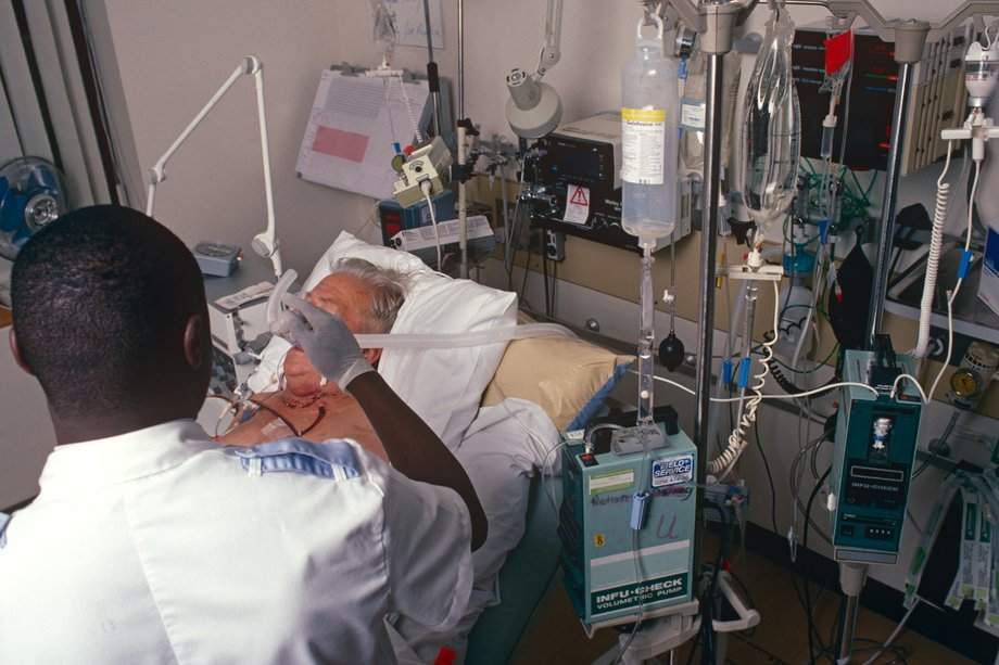 Picture of a patient in an ICU