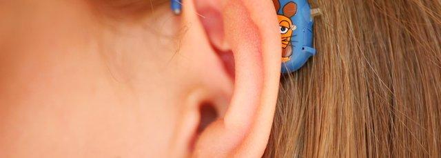 can u sleep with hearing aids