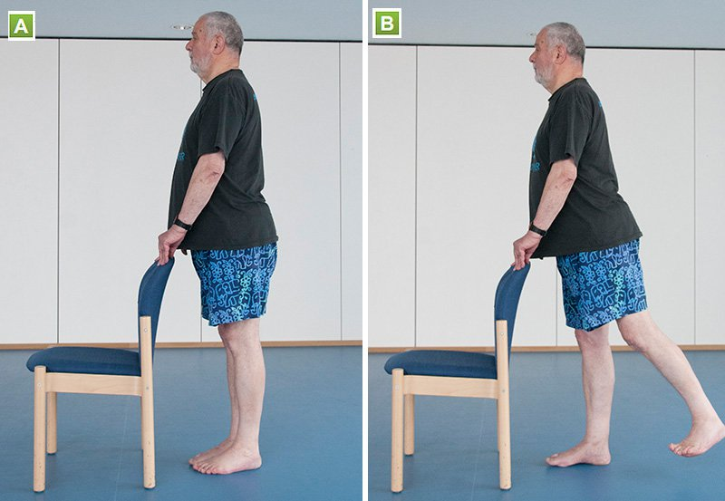 Picture of a man doing a leg extension
