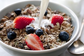 Breakfast cereal with fruit and milk