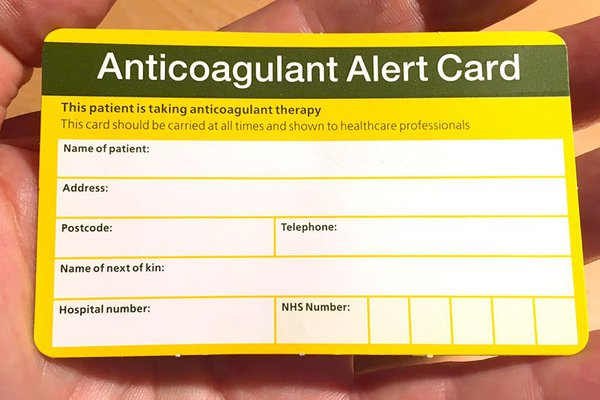 Picture of the front of an anticoagulant alert card